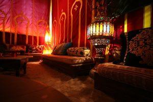 Shisha Bar Mainz Medina Lounge Orientalische Lampe Couch